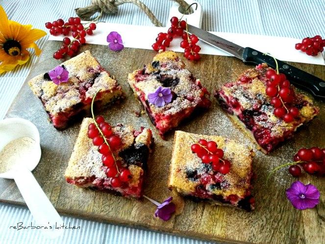 Cuketovo špaldový koláč s ovocem a perníčkovým kořením | reBarbora's kitchen