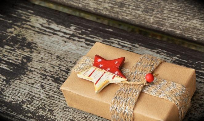 gift-1760870_960_720