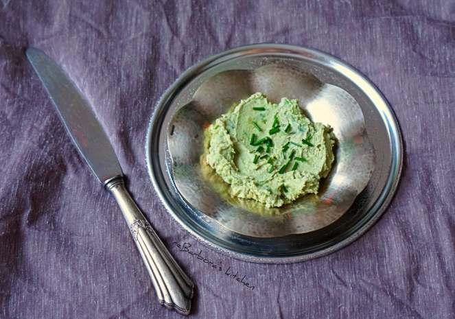 Avokádová pomazánka s pečeným česnekem | reBarbora's kitchen