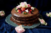 Čokoládovo-kávový dort s pyré z lesního ovoce | reBarbora's kitchen