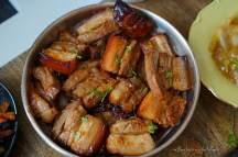 Aperitivo moment II. – Medový bůček, pikantní mangový dip, avokádový dip, glazovaný chřest s cibulkou a domácí hranolky | reBarbora's kitchen