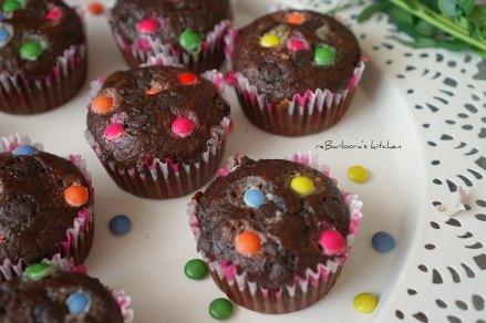 Čokoládovo-banánové muffiny s lentilkami (nejen) pro děti | reBarbora's kitchen