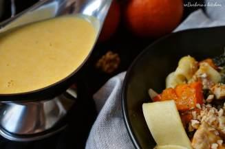 Těstoviny s dýňovo-kuřecí směsí se špenátem, ořechy a dýňovou omáčkou | reBarbora's kitchen