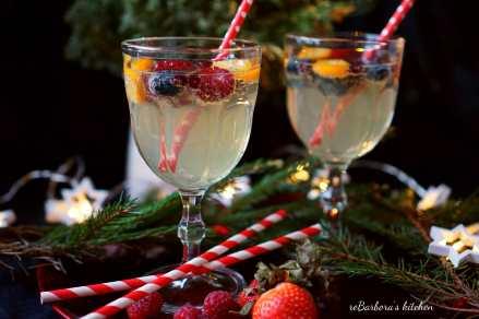 Bílá sangria do skleničky (alko i nealko)