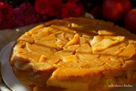 Obrácený jablečný koláč se slaným karamelem | reBarbora's kitchen
