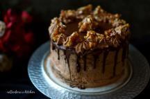 Čokoládový dort s čoko krémem, karamelem a griliášem | reBarbora's kitchen