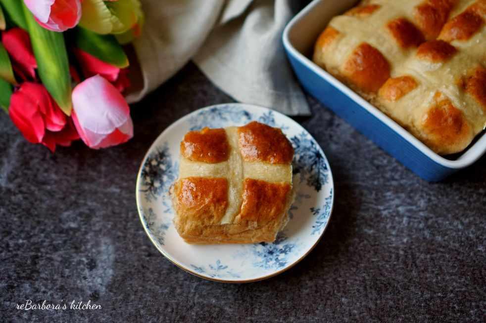 Hot cross buns   reBarbora's kitchen