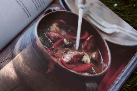 Recenze knih: Uzeninové delikatesy - Miranda Balland | reBarbora's kitchen