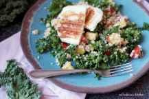 Salát s kadeřávkem, broskvemi a halloumi sýrem | reBarbora's kitchen