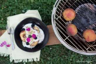 LotusGrill: Grilované broskve s jogurtovým dipem, ořechy a griliášem | reBarbora's kitchen